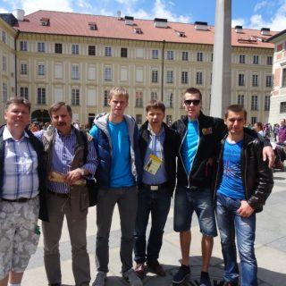 Prāgas ielās kopā ar Igaunijas un Ukrainas komandu pārstāvjiem